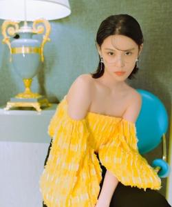 韓丹彤時尚性感個性寫真圖片