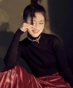 趙露思時尚雜志寫真大片