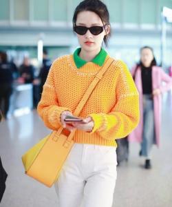 李沁清新甜美機場圖片
