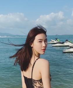 寧心性感誘人海邊寫真圖片