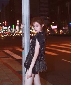 蓋玥希時尚隨性夜拍寫真圖片