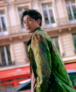 白宇巴黎時尚街拍圖片