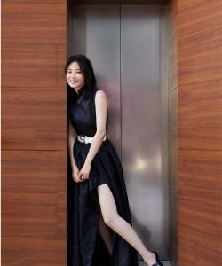 譚卓性感時尚街拍圖片