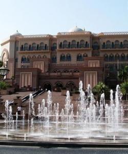 40噸黃金打造的奢華八星級酒店