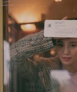 劉詩詩文藝氣質時尚寫真圖片