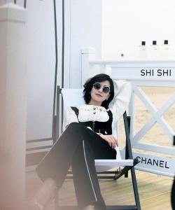 劉詩詩休閑套裝時尚寫真圖片