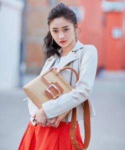 周潔瓊酷美養眼時尚寫真圖片