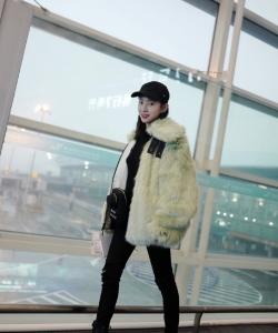 劉萌萌清新性感機場寫真圖片