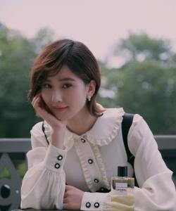 劉詩詩甜美優雅性感寫真圖片