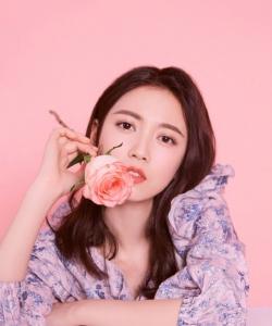 陳鈺琪粉嫩時尚寫真圖片