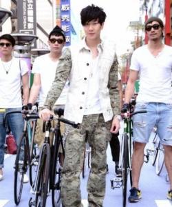 林俊杰臺北攜型男團騎單車開場圖片