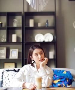 韓丹彤清新甜美居家寫真圖片