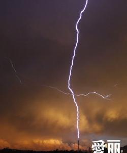 世界各地閃電雷暴的瞬間