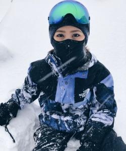 鄧紫棋雪地滑雪寫真圖片