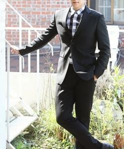 崔勝賢為《老千2》拍攝寫真 展現熟男魅惑氣質