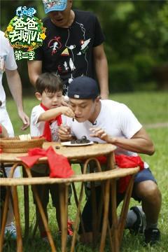 爸爸去哪兒3劉燁小公舉竟然為了諾一吞蜈蚣不得不感慨社長長大了