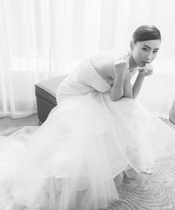張柏芝白色魚尾長裙優雅性感寫真圖片