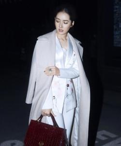 郭碧婷最新深夜時尚街拍寫真圖片