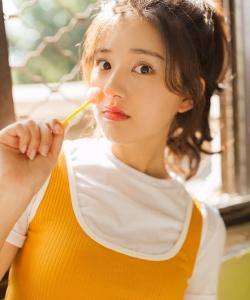 趙露思甜美迷人時尚寫真圖片