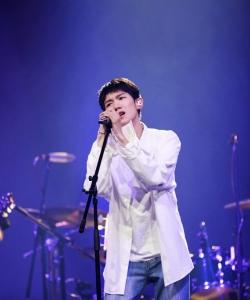 王源《我是唱作人》閃耀圖片