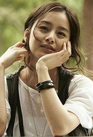韩国美女金泰熙可爱俏皮写真照