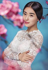 賈青蕾絲裙顯清新素雅唯美寫真