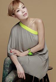 香港女歌手容祖兒時尚個性寫真
