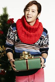 韩国男平安彩票导航网张根硕笑容满面圣诞写真