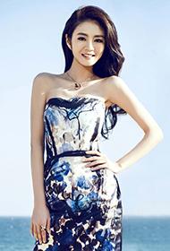 女歌手安以轩优雅动人组图