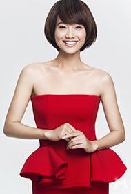朱丹一袭红裙甜美笑容亲和力爆棚