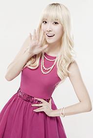 韩国女歌手郑秀妍似童话公主唯美写真