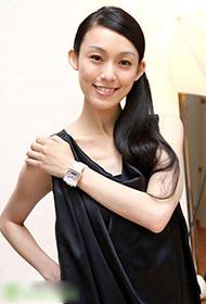 范瑋琪黑衣裙顯小女人魅力寫真