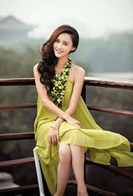 成熟女星张歆艺杂志写真展现熟女气质