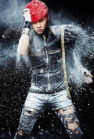 中国流行男歌手魏晨另类时尚宣传照