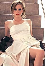 英国女演员艾玛·沃特森散发优雅女人味