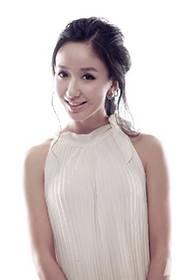 中国女演员娄艺潇尽显优雅气质写真