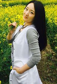 不老女神杨钰莹油菜甜美写真