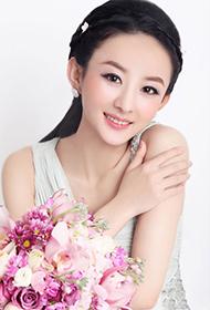 女明星赵丽颖尽显优雅轻熟女风写真
