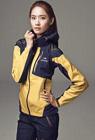 韩国女歌手林允儿时尚休闲写真