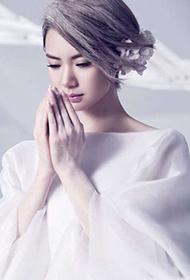 戚薇化身纯白雪之女神唯美梦幻写真集