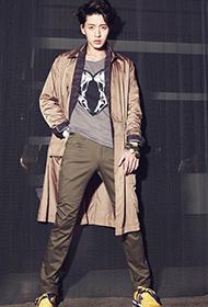 男神朴海镇时尚装扮尽显俊朗帅气