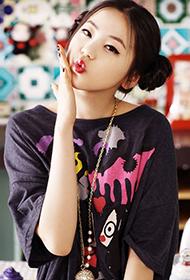 韩国女演员安昭熙甜美娇俏写真