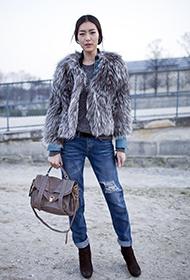 刘雯最新街拍 时尚潮流搭配引人注目