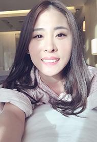 张碧晨微博晒生活照 阳光笑容融化人心