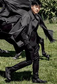 潮男佟大为意大利化身黑衣骑士大秀异国时尚