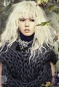 韩佳人白发魔女造型诠释另类时尚写真