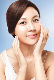 韩国女演员金荷娜美丽时尚写真照