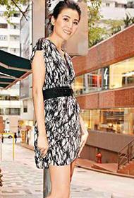 香港影视女演员蒙嘉慧美丽动人街拍照