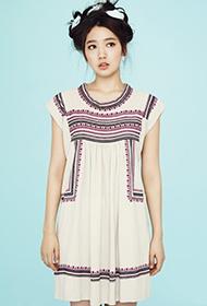 韓國女星樸信惠甜美代言春季服飾組圖