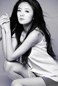 中国台湾女演员安以轩迷人黑白写真